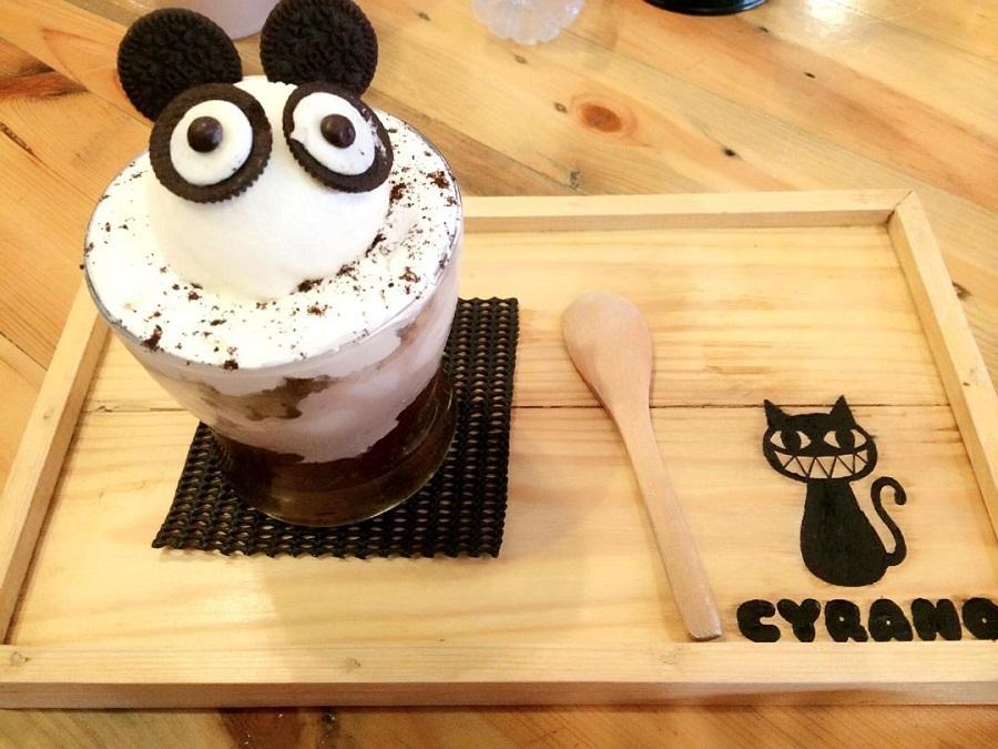Dessert Unyu di Cyrano Cafe - Cafe Hits di Bogor